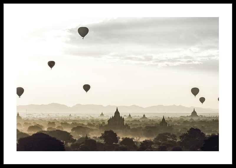 Air Balloons Over Tempel